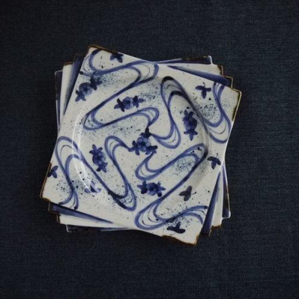 画像1: 有田焼/寛右衛門窯/18cm角皿 染付梅小紋/18.0X18.0 (1)