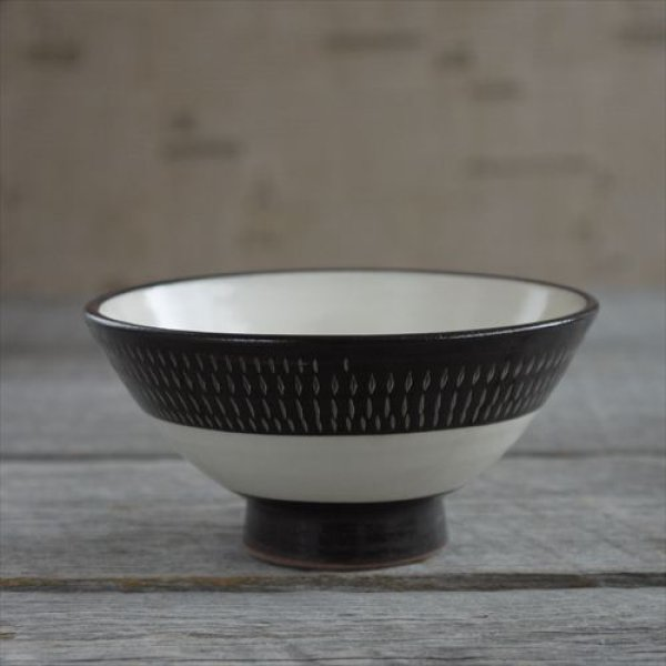 画像1: 小石原焼/カネハ窯/飯椀(小)鉄帯飛鉋黒白飛び鉋/Φ12 (1)
