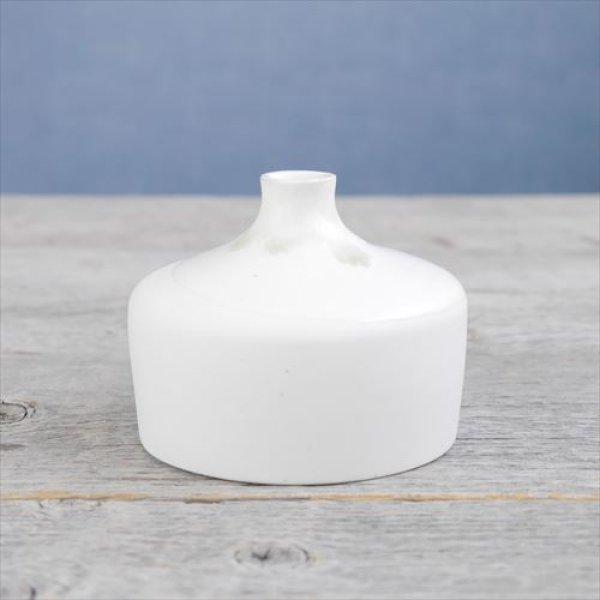 画像1: 常滑焼/わたなべ陶器/白磁花器_5 一輪挿し (四角)/ホワイト/Φ6,2 X H8,8 (1)