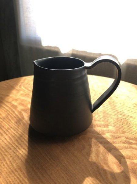 画像1: 芦屋/yoshida pottery 吉田正和/コーヒーポット/美しく使いやすい。それが作り手のこだわり/大人black/Φ7.8 X H11.5 (1)